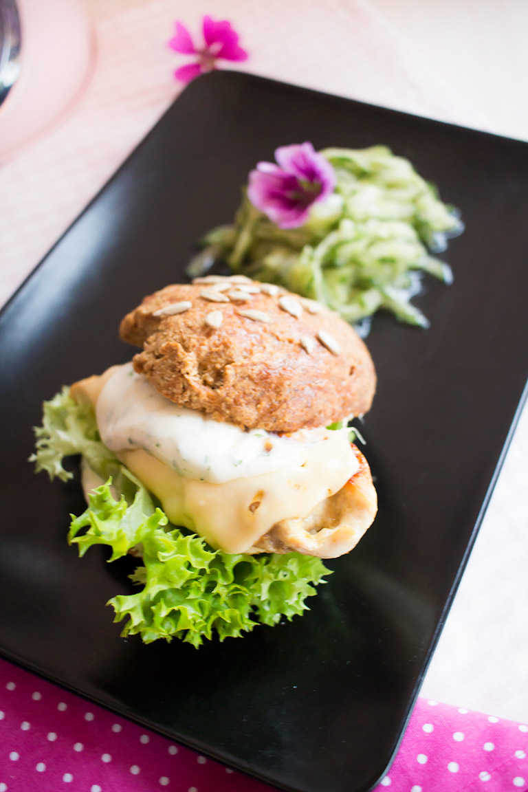 lowcarb_chicken_burger